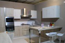cuisine aménagée en bois clair